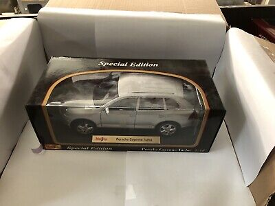 Maisto 1/18 Porsche Cayenne Turbo Die Cast Model • 10£