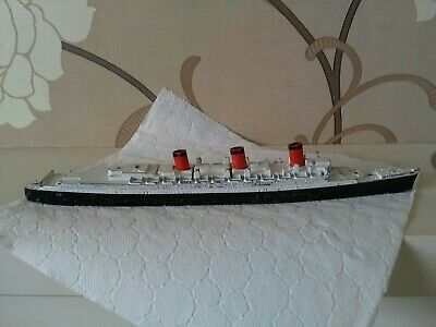 Tri-ang Queen Mary M.703 Metal Model Ship. Made In England. • 6.99£