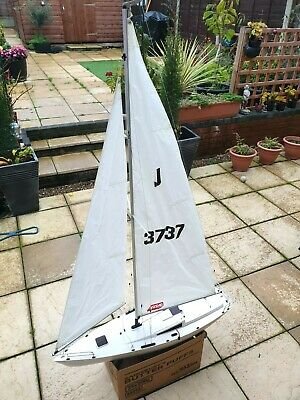 Kyosho Fairwind Vintage Remote Controlled Sailing Boat. • 200£