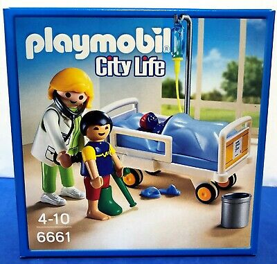 BRAND NEW Playmobil 6661 City Life Doctor With Child • 9.99£