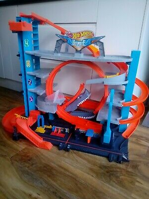 Hot Wheels Ultimate City Garage With Loops And Shark For Toy Cars FTB69 • 25£