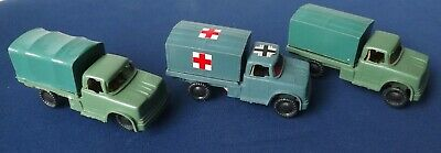 3 Vintage Plastic Military Trucks With Cardboard Bases Hong Kong 1970's/1980's • 5£