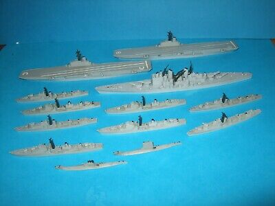 Triang Minic Ships, 13 Unboxed Warships. Lot Two • 26£