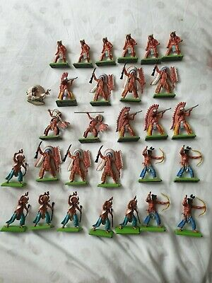 Britains Deetail Figurines Indians • 5£