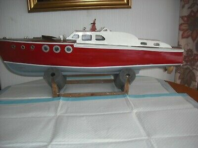 Large Radio Controlled Model Boat, Vintage Cruiser, Complete And Ready To Go.  • 95£
