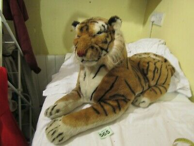 Large Plush Tiger • 3.99£