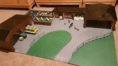 Wooden Model Farmyard Building Bales Gates Suitable For Britains Siku 1/32 Scale • 40£