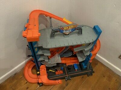 Hot Wheels Ultimate Garage • 30£