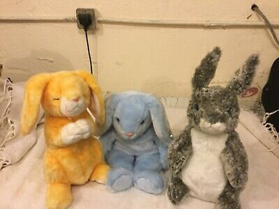 Three Retired Beanie Buddies - Hopper, Grace And Flippity • 25£