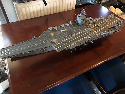 RC Model US Aircraft Carrier • 395£