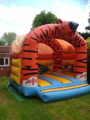 Bouncy Castle For HIRE 24/7 For All London And Essex . • 500£