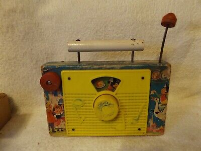 VINTAGE TOYS FISHER PRICE  TV-RADIO TOY  7  LONG OUT OF 60's VERY NICE • 29.04£