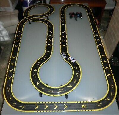 Micro Scalextric Set With Cars • 39.99£