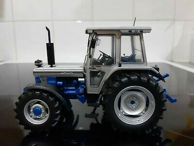 Universal Hobbies Ford 7810 Silver Jubilee Tractor 1/32 Scale  • 32£