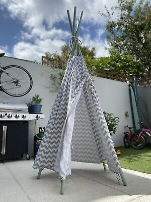 Childrens Teepee Tent • 12.50£