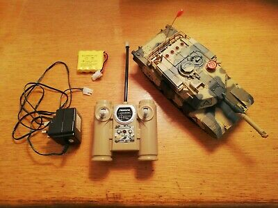 Remote Control Tank And Spare Battery • 9.50£
