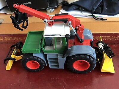 Toy Tractor 1.32 • 8£