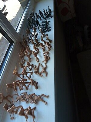 Plastic Toy Soldiers#please See All Photos • 4£