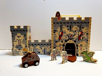 Boxset Wooden Castle - Portable Design And Easy To Set Up Or Store • 9.99£