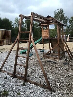 Dunster House Climbing Frame • 200£