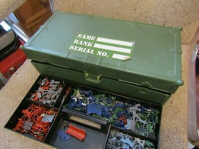 Box Of Toy Soldiers [loft Find] Mixed  • 1.99£