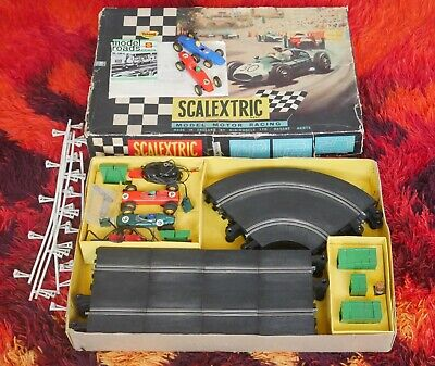 Vintage Scalextric 31 Set Plus 2 Other Cars 1960s  • 14.99£