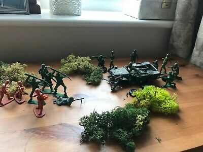 Ww2 Jeep And Plastic Soldiers. • 6.99£