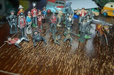 Quantity Of Old Metal Soldiers, Cowboys Etc • 4.99£
