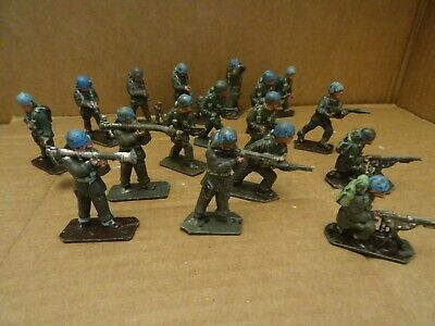 Lone Star Harvey Series 17 British Paratroopers Blue Helmets (U.N.) 1960s. • 11.99£