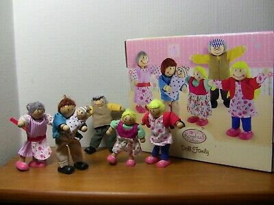 ELC Rosebud Village - Doll Family In Used Condition And Boxed • 0.99£