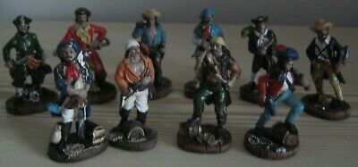 Set Of 10 Pirate Figures • 6£