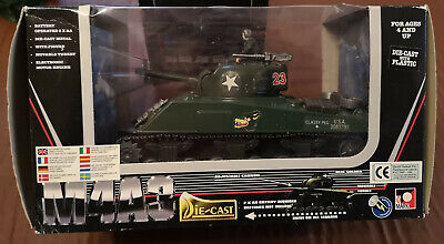 Toymark (New Ray) 1:32 Battery Operated Die Cast M4A3 Tank • 45£