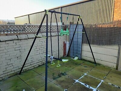 Kids Outdoor Swing Set • 40£