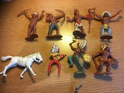 Crescent Plastic Figures X 13 Can Be Seperated. • 30£