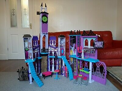 Monster High Deadlux High School Playset And Selection Of Dolls • 45£
