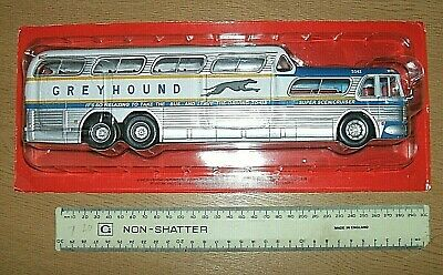 A Unopened 1/43 Scale Greyhound Super Scenicruiser Bus As In The Picture's • 14.95£
