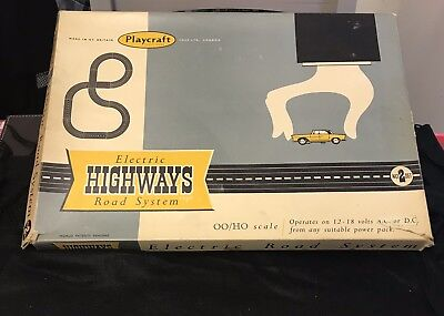 Playcraft Electric Highways Road System No 2 • 200£