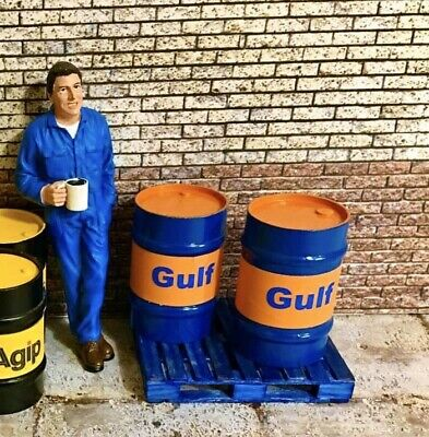 1/18 Scale 2 X Gulf Oil Drums And 1 X Pallet • 14.95£