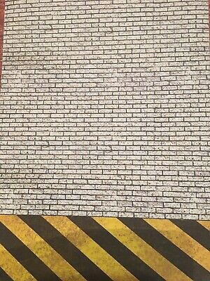 1/18 Diorama Dirty Brick And Hazard Chevron Walling ( 5 Sheets) Portrait 0210 • 15£