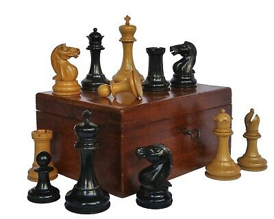 Antique Staunton Chess Set, Late 19th Century • 690£