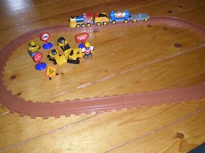 Plastic Train Set  ( First Size )  For Little Ones • 10£