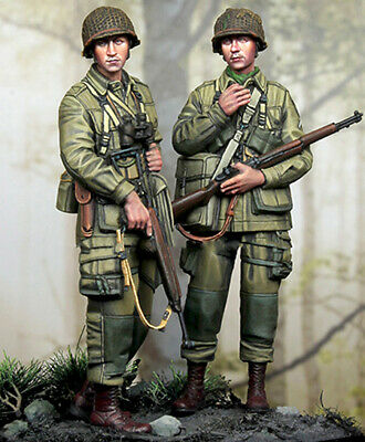 1/35 Two Young WWII Soldier Figure Resin Model Kits Unpainted Garage Kit • 13.99£