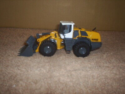 NZG 1/50th Scale Liebherr L586 2+2 WHEELED LOADER • 50£