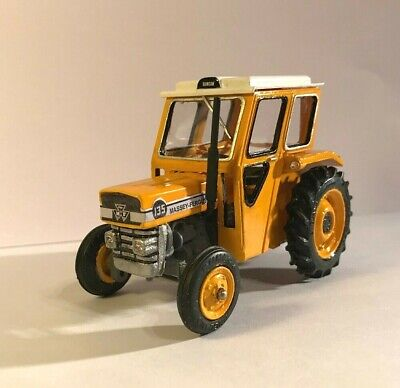 BRITAINS Massey Ferguson 135 REPAINT In Industrial Yellow With Resin DUNCAN Cab • 46£