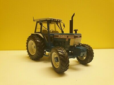 1/32 Scale Ford 8210 • 51£