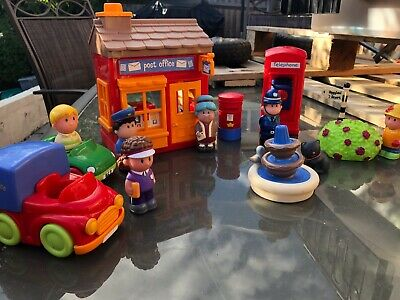 Happyland Post Office With Six Figures, Cars And Extras! In Good Used Condition • 7.50£