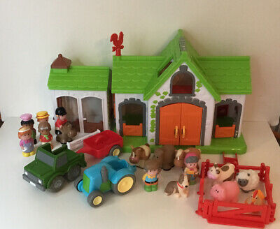 Elc Happyland Farm & Animal Set With Stable And Extra Figures • 22.99£