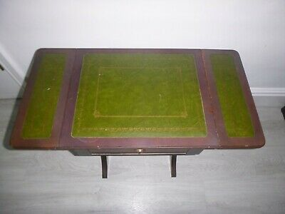 Vintage Games / Card Table With Foldout Top & 2 Draws • 25£