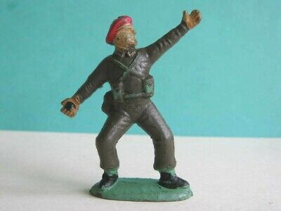 1 X CHARBENS. 1960's BRITISH PARATROOPER. 1/32 SCALE PLASTIC TOY SOLDIER. • 1.99£