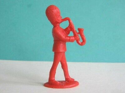 1 X CHARBENS. 1960's BRITISH GUARDS BANDSMAN. 1/32 SCALE PLASTIC TOY SOLDIER • 1.25£